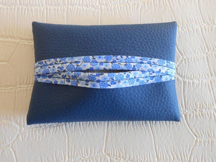 idéal petit cadeau de noel l etui à mouchoirs de sofie creations : Etuis, mini sacs par sofie-creation