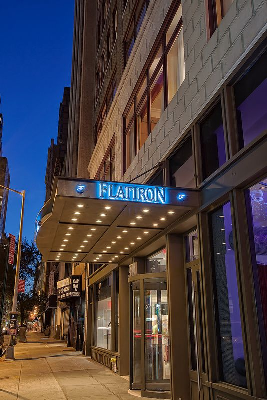 Flatiron Hotel New York This Boutique Is Located In The District Of Manhattan And Features A Modern Lobby With Cylindrical Fish