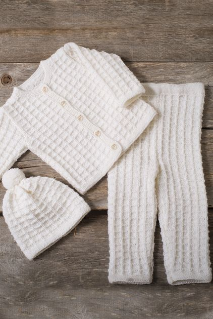 Neulottu vauvan pintaneulesetti Novita Nalle   Novita knits