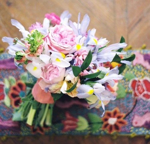 the curious bumblebeePurple Wedding Flower, Purple Wedding Bouquets, Friday Flower, Fiftyflowers Com, Flower Power, Iris Purple, Gardens Rose, Pink Gardens, Blue Iris