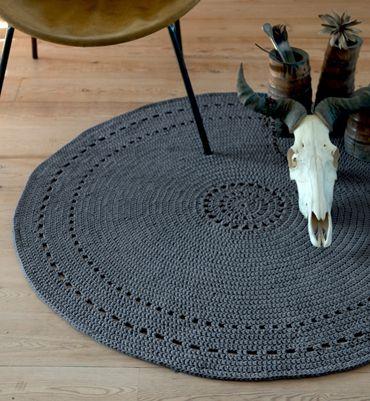 Modèle tapis rond tribal au crochet - Modèles tricot accessoires - Phildar