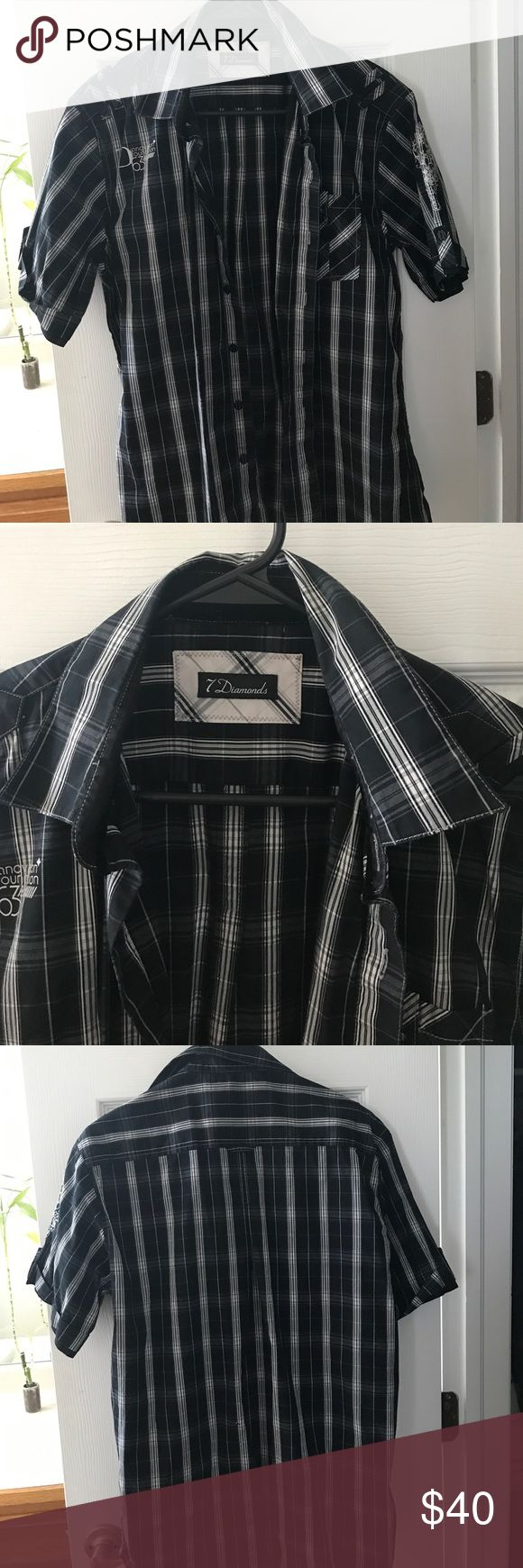 Black and white short sleeve 7 diamonds shirt In great shape button up short sleeve 7 Diamonds Tops Button Down Shirts