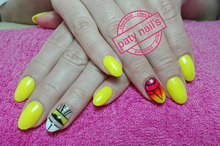 Yellow nails Nailart feito à mão   #degradé #patynailsviseu