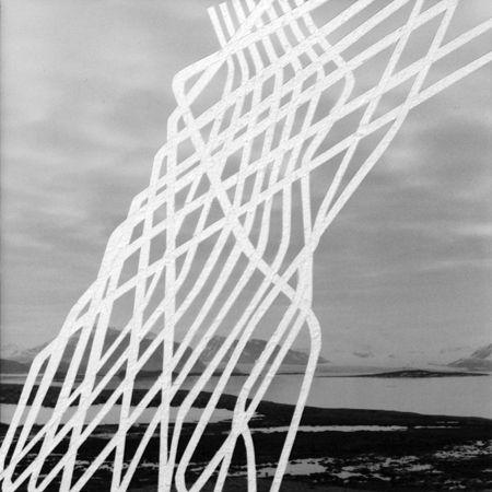 sylvie bonnot | Cutter sur tirage baryté, 12x12cm, Spitzberg Oriental - Saint-Léger, 2011