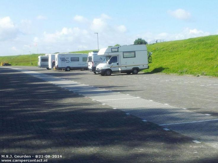 Camperplaats Lelystad - Parking Houtribslag [strand] - Nederland