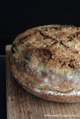 Chleb rustykalny z czosnkiem