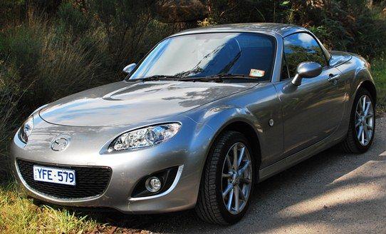 Hobart Tasmania Australia in Mazda MX5 | The Travel Tart Blog