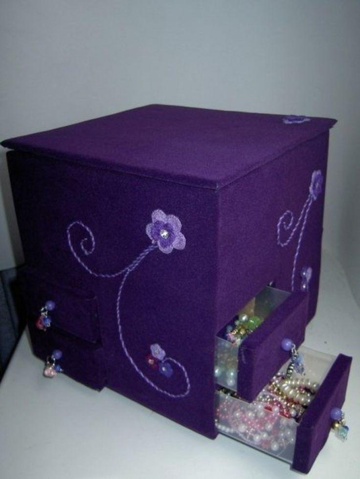 Коробка для хранения украшений