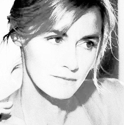 Anne Consigny, née le 25 mai 1963 à Alençon, est une actrice française.
