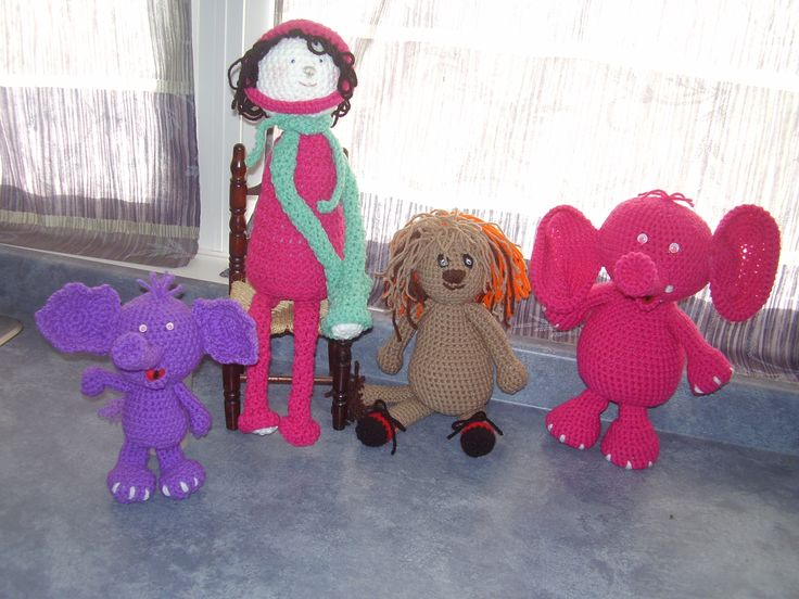 Elephants and lions and long-legged dollies