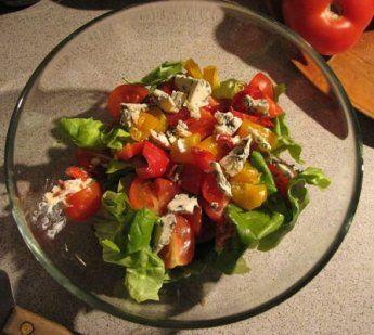 Sałatka szpinakowo-serowa