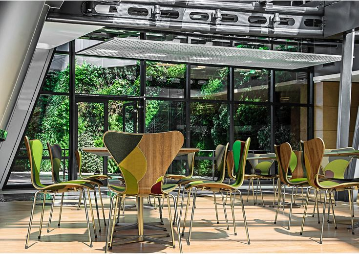 BIG, Jean Nouvel, and 5 Others Reinterpret Arne Jacobsen's Series 7 Chair,Carlos Ott Architects in association with Carlos Ponce de Léon Architects. Image via www.fritzhansen.com