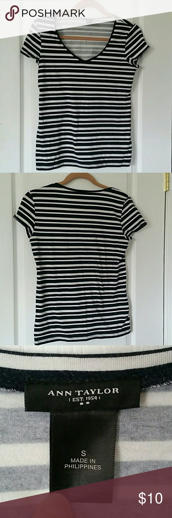 Ann Taylor Striped Nautical T-Shirt Cute and comfy from Ann Taylor!   Navy blue and white stripes, gently used. Stretchy and fitted, short sleeves, great for spring and summer! Ann Taylor Tops Tees - Short Sleeve
