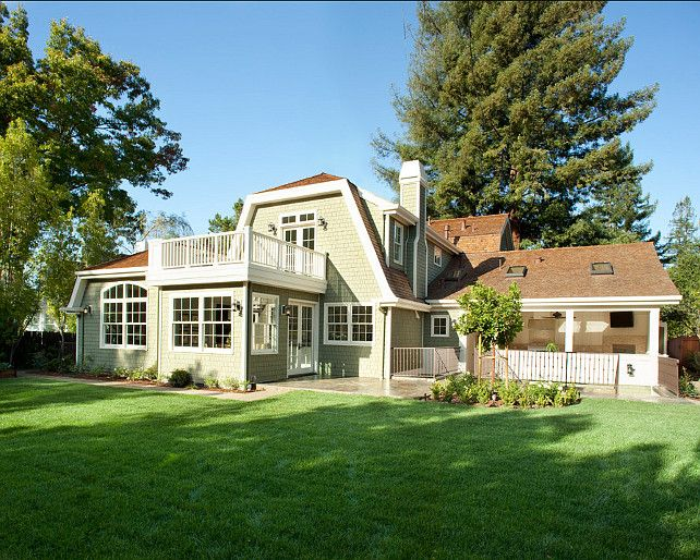Best Dutch Colonial Home The Shingles Are An Eastern White 640 x 480