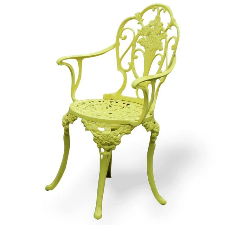 Şık sarı metalik boyalı kolçaklı bahçe sandalyesi farklı renklerde üretimi mümkündür.