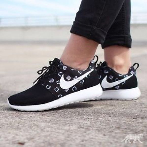 Nike Roshe Runs Super cute! 15% off of bundles! FEEL LIKE MAKING AN OFFER? Please do it through the make an offer feature as I will no longer negotiate prices in the comments section. PRICE IS FINAL ON ITEMS $15 or less unless bundled. Nike Shoes Sneakers