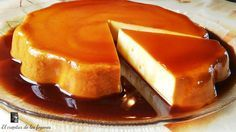 ¿Has visto que aspecto tan irresistible tiene este pastel de caramelo y naranja que comparten desde el blog EL CREPITAR DE LOS FOGONES