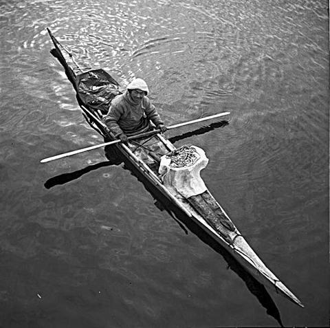 Greenland Qajaq  Nikolaj Heilmann født 1901 i Tasiusaq 3962 Upernavik nord Grønland