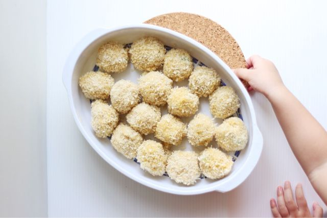 Kids Snack - Bitterballen Recipes. Simple beed recipes turned into a nice yummy bitterballen. www.lifeatarcilland.com