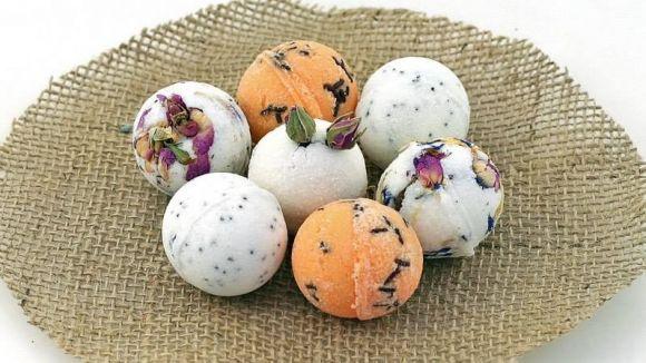 Badekugeln selber machen – schäumende Badekugeln (DIY Kosmetik)