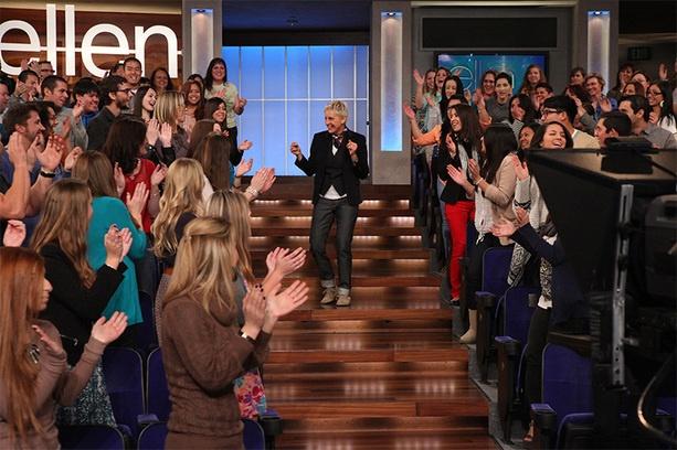 Ellen dancing with the audience | Season 10 Photos | Pinterest