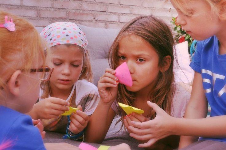 Superleuk kinderfeestje bij je thuis: parfumfeest. Zelf parfum maken…