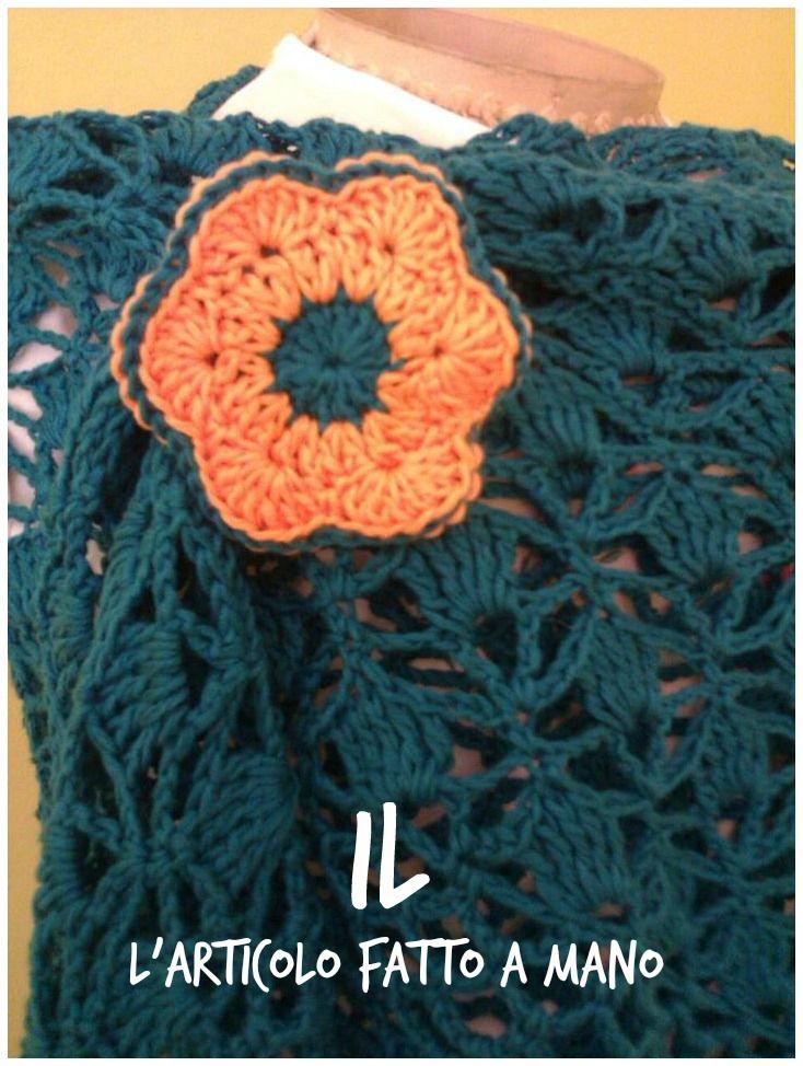 sul blog il link per realizzarlo. In vendita lo scialle su www.etsy.com