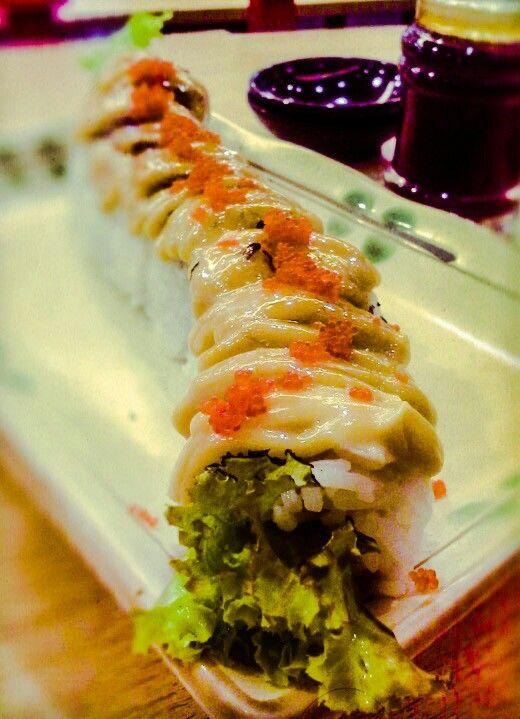 Tuna skin mayo sushi!