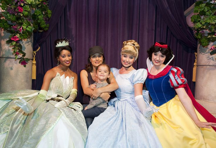 The Disney Princesses treated Salma Hayek's daughter like royalty.
