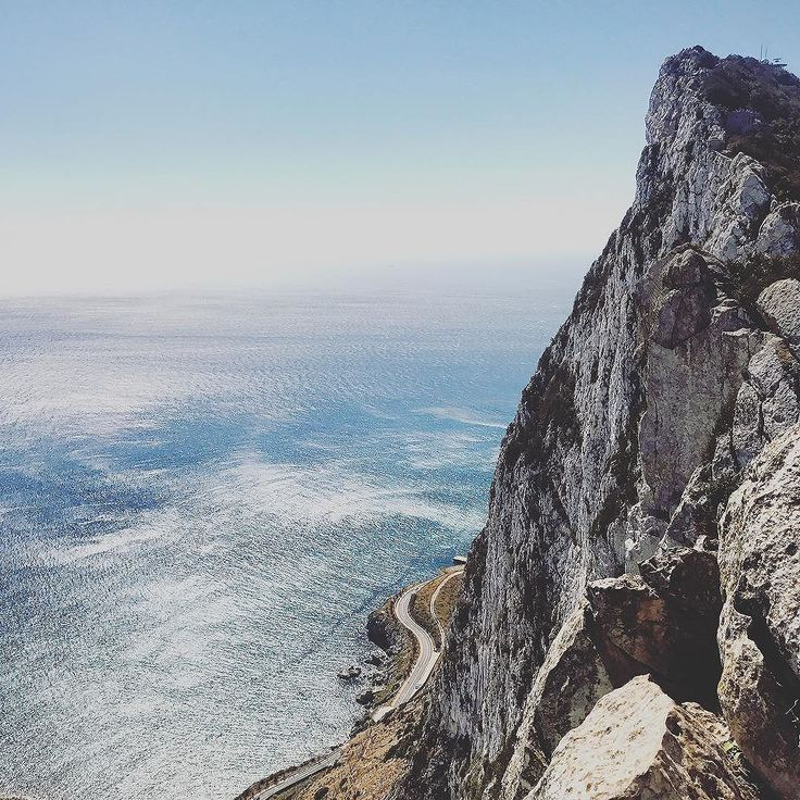 Stunned by the beauty of The Top of the Rock today. What a day! What a view! Clients delighted on our #insidetherockofgibraltar tour in collaboration with the concierge of the Marriott Marbella Beach Resort . . #marriottmarbella #marriott #marbella #daytripsfrommarbella