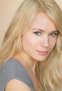 Kristen Hager  received 'Modern Florals Photo Collection' by Maleah Torney at the 2013 Oscars GBK Luxury Gift Lounge #theartisangroup #MaleahTorney