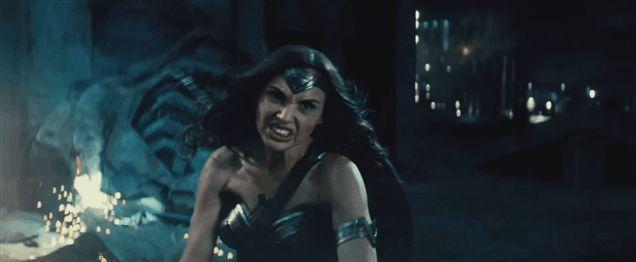 Director 'Batman V Superman' Zack Snyder não é definitivamente para baixo com Spoilers - MTV