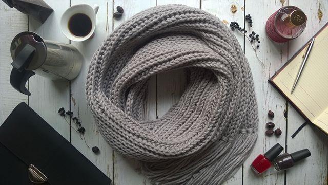 Knitted scarf Теплый, серый и уютный двухметровый шарф, в котором можно переждать осень #вязание #спицами #шарф #scarf #knitting #осень #длинныйшарф