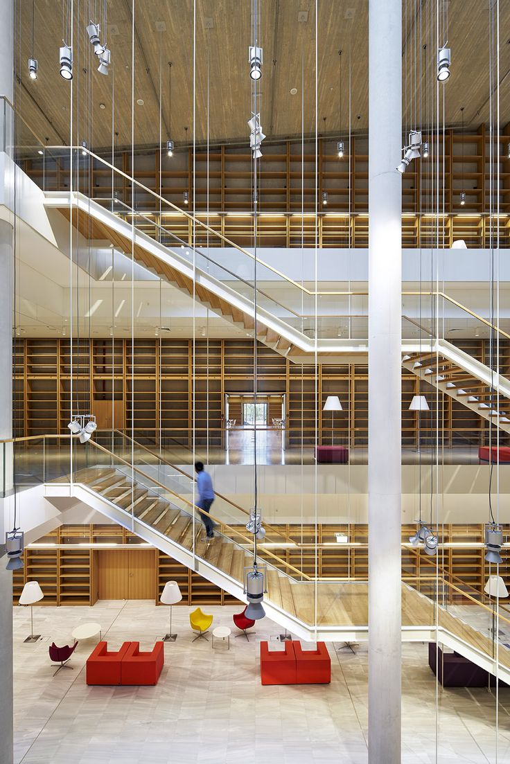The Cultural Centre of the Stavros Niarchos Foundation - Athens, Greece - Architectural project: Renzo Piano Building Workshop - Local architect: Betaplan - Lighting project: Arup London – Construction: Salini Impregilo, Terna S.A.- Photographs: Michel Denancé - Lighting products: Le Perroquet, Pinhole, Reflex, Underscore, IN60, IN90, Action, Laser Blade, Palco, iPlan Easy by iGuzzini Illuminazione #Lighting #Light #Luce #Lumière #Licht #Culture #Athens #Stavros #StavrosNiarchosFoundation