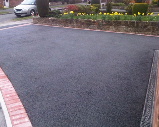 Tarmac drive with soak away