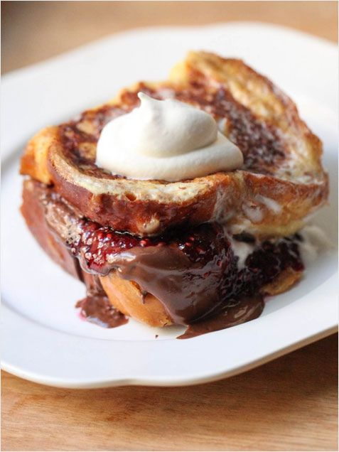 Raspberry Nutella French Toast! http://www.ivillage.com/fabulous-super-easy-brunch-ideas/3-a-545895