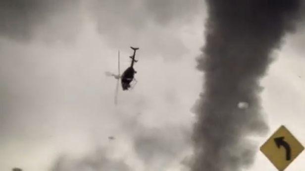 Helicóptero es derribado por un tornado