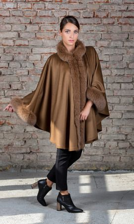 SC  100% pure Cashmere Poncho decorated with real fox fur