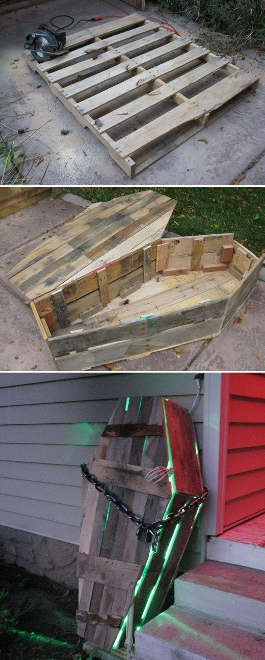 Beste 17 Halloween Yard Dekorationen mit Recycling-Paletten hergestellt – LazyTries