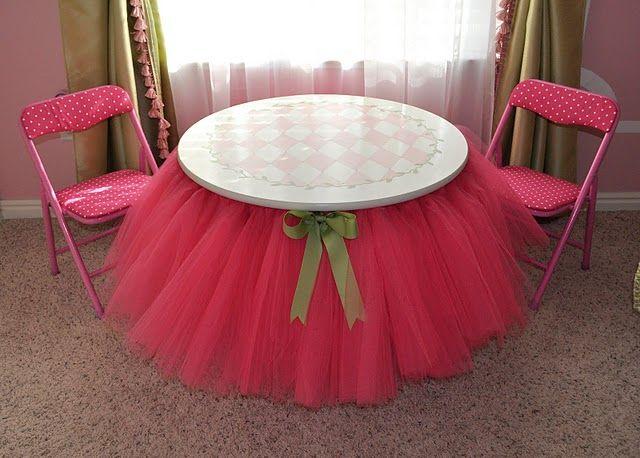 tutu table for tea parties.Tutu Skirts, Ideas, Little Girls Room, Tables Skirts, Tea Parties, Girls Parties, Teas Parties, Girl Rooms, Tutu Tables
