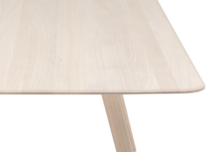 MEYER / Designed by David Spinner / Solid ash table, close up of the table top and leg #out #outgermany #dining #table #tisch #wood #holz #objekteunserertage #home