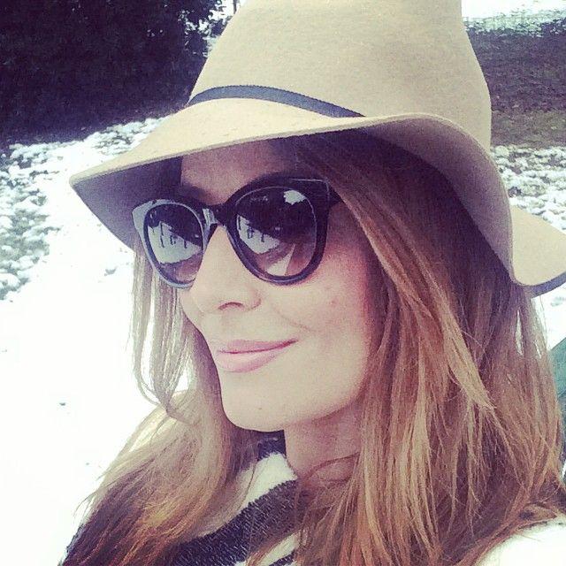 Cappellino e occhialoni, stupenda