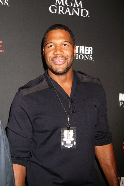 Michael Strahan attend VIP pre Fight Party for Showtime PPV's Presentation at MGM Grand Garden Arena for the Floyd Mayweather Jr. vs. Canelo Alvarez boxing match in Las Vegas. (September 14, 2013)