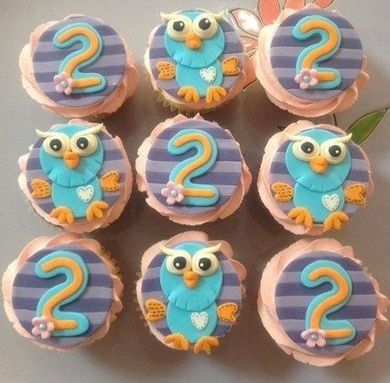 Giggle & Hoot - by CakesbyCorrina @ CakesDecor.com - cake decorating website