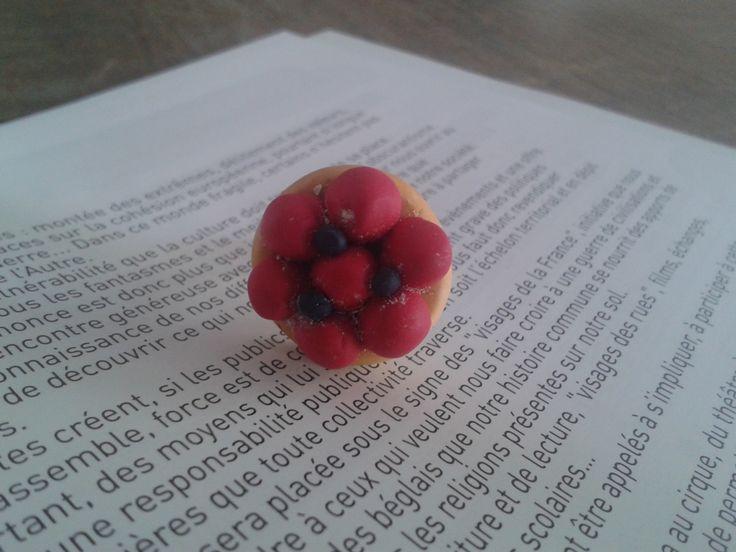 Bague en Fimo tartelette a la fraise