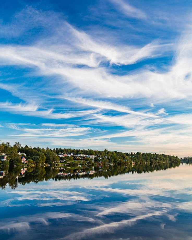 Whispering clouds reflecting in Simsjön outside Skövde Sweden. ... On assignment for @nextskovde @skovdekommun #autumn #sweden #visitsweden #swedishmoments @moment #MakeYourWorldBigger