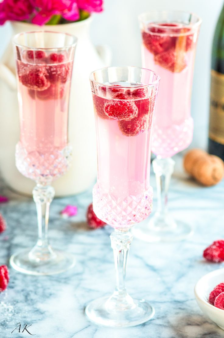 Sparkling Raspberry Lemon Mimosas Recipe - An elegant twist on a classic cocktail. Essential to any celebratory brunch or Mother's Day!