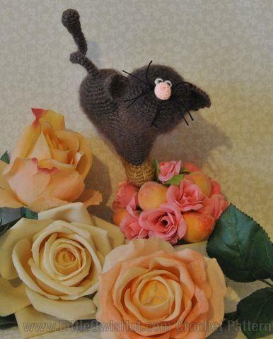 Cat heart ValentineCat Crochet pattern by Svetlana Pertseva LittleOwlsHut. 14 February Valentine's day gift.