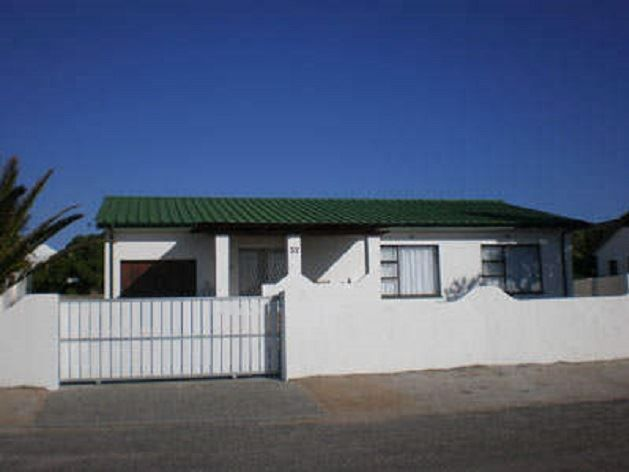 Stompneus - Stompneus is a spacious beach house, with unobstructed sea views, located just 30 m from the beach in Paternoster.The house can accommodate up to seven guests and comprises three bedrooms, two bathrooms, ... #weekendgetaways #paternoster #southafrica