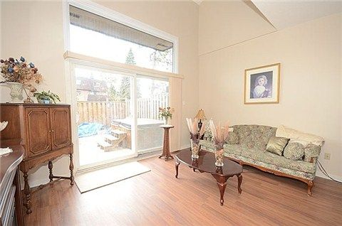 What do you think about this 3 bed townhouse at 4-20 Hainford Street Toronto I found on http://www.Lilypad.ca for $279,900?